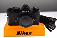 Nikon FM Professional MANUALE NERO MACCHINA FOTOGRAFICA. EXC + condizione. + TRACOLLA
