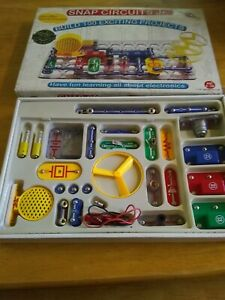 Elenco Snap Circuits Jr. SC-100 Electronics Discovery Kit
