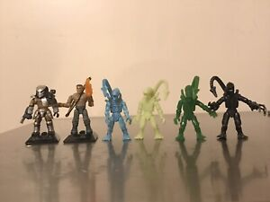 Mega Construx Aliens Vs Predator Lot