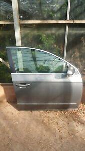 VW PASSAT B6 (2006) COMPLETE FRONT DRIVERS SIDE DOOR GREY - LA7T