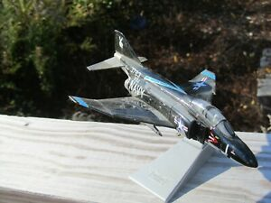 Corgi Aviation Archive Mcdonnell F-4J Phantom, VX-4 Sqn US Navy Black Bunny 1:72