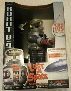 LOST IN SPACE The Classic Series Robot B9  Electronic Trendmasters 1997 NEW  BOX