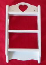 WOOD NICK NACK SHELF - WHITE WITH HEART CUT OUTS