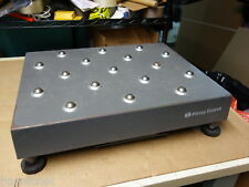 PITNEY BOWES JB64 200 lb Ball Top Bench Shipping Scale