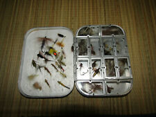Vintage Richard Wheatley 12 Compartment Fly Box full of a nice assortment of fly