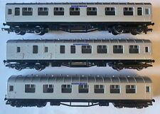 Hornby OO Gauge Silver Jubilee Coaches (x3)