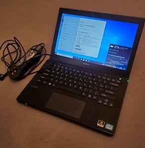 Sony Vaio SVS131C24T intel Core  i3 8gb ram 120gb ssd nVidia GT640 Win 10 Read