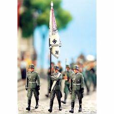 SOL RESIN FACTORY, MM105, 1:35, GERMAN ARMY STANDARD BEARER WW II