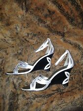 Womans silver sandals Bisou Bisou shoes strappy zize US 7M