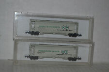 2 Delaware Valley International Mineral & Chemical Corp. 3-bay Hopper  N scale