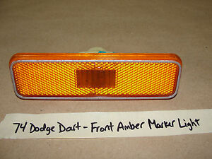 74 Dodge Dart Plymouth AMBER FRONT FENDER SIDE MARKER LIGHT #3587437, #82897-A