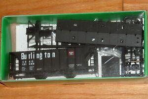 BOWSER 56897 70 TON 2 BAY COVERED HOPPER KIT BURLINGTON CB&Q 181498