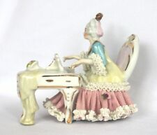 Porzellan Figur Musikerin mit Klavier Skulptur Dekoration Barock Deko Dresden