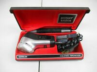 Vintage Philips Norelco Tripleheader Electric Razor HP1131 w/Original Case WORKS