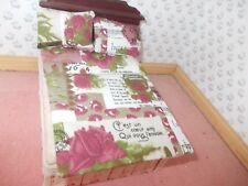 Un set letto singolo moderno per una casa delle bambole