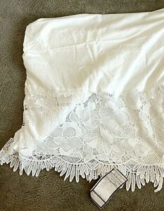 POTTERY BARN KIDS LILY PULITZER Eyelet Lace Bed Skirt White Queen NIP