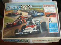 Scalextric Circuito CS51 con dos coches C21 COUGAR