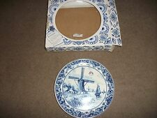 RARE NEW BOXED DELFT  BLUE HANDPAINTED  COLLECTABLE PLATE MADE IN HOLLAND 3720 2