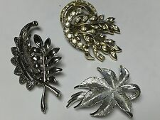 LOT OF 3 VINTAGE / RETRO DESIGNER SIGNED / UNSIGNED BROOCHES 1 IS GERRY'S JS21