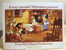 POSTCARD-DISNEY CHRISTMAS FROM 1983 MICKEY, MINNIE & CHILDREN DECORATE TREE