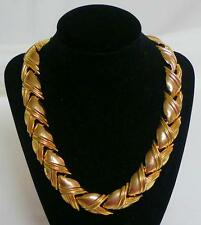 "Gorgeous unmarked light wt 19"" shiny gold tone repousse necklace stylized leaves"
