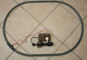 "Bachmann EZ Track N Scale Oval and Power Pack - 16 track pieces 23"" X 33"""