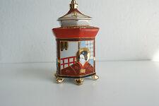 Zeitgenössische asiatische Porzellan-Dosen aus