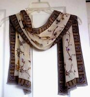 Oscar de la Renta 100% Luxurious Silk Beautifully Flower Design Scarf !