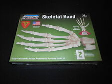 LINDBERG SCIENCE KITS 71313 1/1 SKELETAL HAND PLASTIC MODEL KIT, 2007