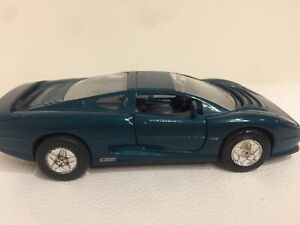 Welly Jaguar XJ220 Diecast Model Car Small Forest Green Sparkle Duco