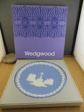 Vintage 1971 Wedgwood Christmas Piccadilly Circus Blue White Plate Original Box