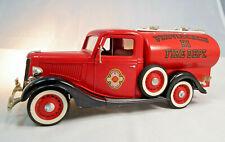 Ford V8 Citerne 1936 Feuerwehr Providence Fire Dept. von Solido im Maßstab 1:19