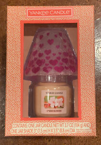 Yankee Candle Hearts Valentine's Day Small Jar & Crackle Shade New Cherry Blosso