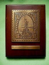 1922 15 Cent LIBERTY STAMP postage brass & wood plaque 1886-1986 Centennial.