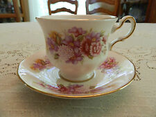 Queen Anne G672 Teacup and Saucer (cube)