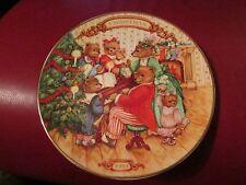 "Avon 1989 Decorative Christmas Plate ""Together For Christmas"""