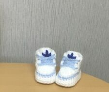 HANDMADE CROCHET BABY SHOES BOOTIES AND HAT WOOL BABY FIRST SHOES CASUAL BOOTS