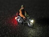 F66 - N Fahrrad mit LED Beleuchtung mit Figur Alte Frau 1:160