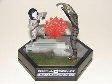 Dada vs Kemur-seijin Figure Diorama from Ultraman Set! Godzilla Gamera Z-Ton