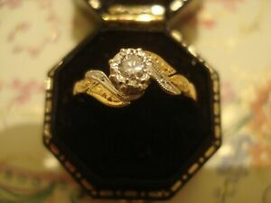 Beautiful & Finely Crafted 18CT Gold: Clear Sparkling Diamond Solitaire Set Ring