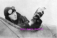 Wwi Image Of Pilot Preparing Homing Pigeon Behind German Lines - Reprint
