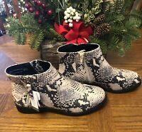 NWT Womans Time And Tru Boot Bootie Size 8 W Wide Width New Tan Metallic