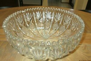 LARGE SIZED EARLY VINTAGE PRESSED GLASS SERVING DISH/FRUIT BOWL-UNUSUAL DESIGN