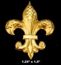 Vintage Brass Stamping / Fleur de lis / Classic Design/ Excellent Details /1 pc.