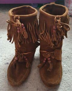 Minnetonka Moccasin Vintage Women's Tan Brown Suede fringes Boots Size 5 /38uk