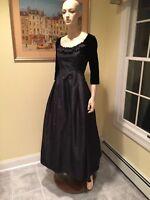 Oscar De La Renta Size 4 / 6 Black Silk & Velvet Dress Formal Ball Gown Bergdorf
