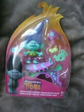 HASBRO TROLLS ~ BRANCH'S SKATE N SKITTER  FIGURE WITH ACCESSORIES  NEW IN BOX