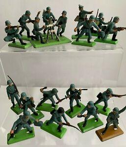 BRITAINS VINTAGE DEETAIL GERMAN  SOLDIERS