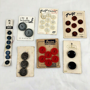 lot of 7 Vintage New Buttons On Original Cards Different colors, shape and sizes