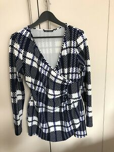 Lior Geometric Navy/White patterned Wrap Top Size XL (16-18) polyester/spandex